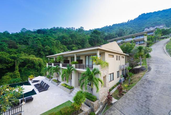 Two bedroom townhouse with seaview for sale on Koh Samui