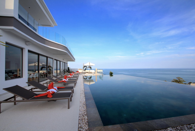 Seaview luxury villa for sale in Choeng Mon